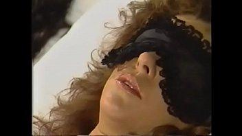 Кудрявая мулатка организовала секс среди тьмы со смуглым хахалем