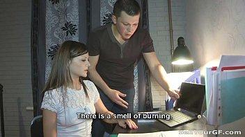 Молодая россиянка ранним с утра потрахалась в анальное отверстие с любимым