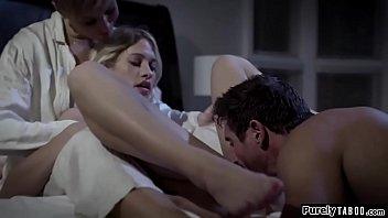 Лесбияночки мастурбируют друг кенте мохнатки