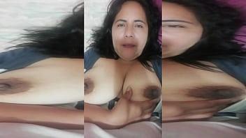 Сексуальная мамаша трахнулась с юношей своей дочери