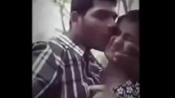 Супружеская парочка зажигает вместе с общей подружки